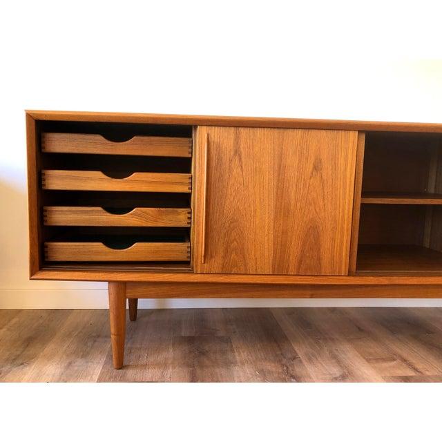 Randers Møbelfabrik h.p. Hansen 1960s Danish Teak Credenza For Sale - Image 4 of 13