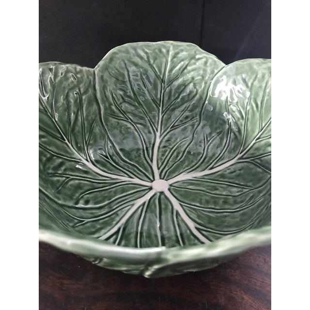 Mid-Century Modern 1980s Large Bordallo Pinheiro Majolica Green Cabbage Leaf Salad Bowl For Sale - Image 3 of 9