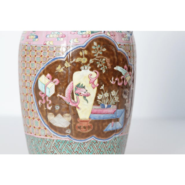 Asian 19th Century Pair of Chinese Vases For Sale - Image 3 of 11