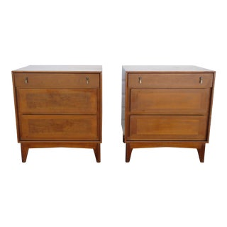 Mid Century Modern Pair of Nightstands Side End Tables by Red Lion For Sale