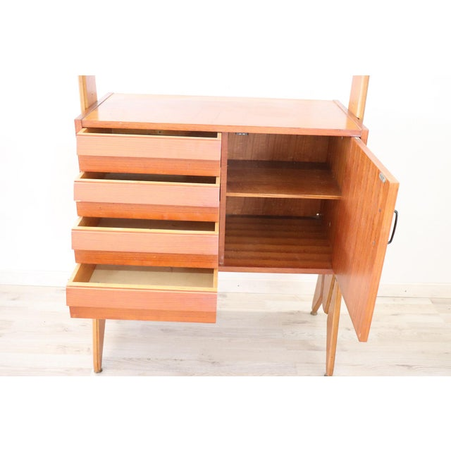 1970s 20th Century Italian Vintage Design Bookcase, 1970s For Sale - Image 5 of 11