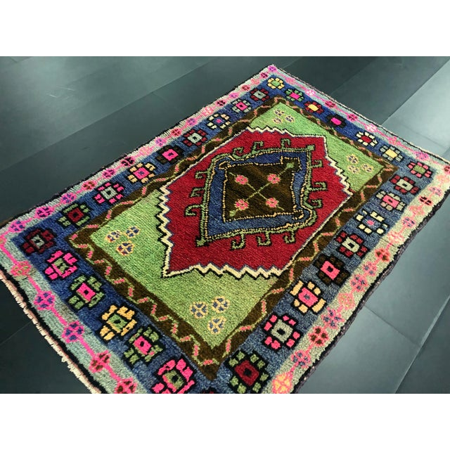 Traditional Anatolian Aztec Antique Blue Green Pink and Red Turkish Oushak Rug For Sale In Phoenix - Image 6 of 12