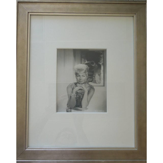 Original Hollywood Studio Glamour Photograph of the Lovely Lana Turner For Sale - Image 4 of 6