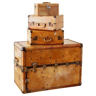 Set of Four Matching Steamer Trunk and Luggage For Sale