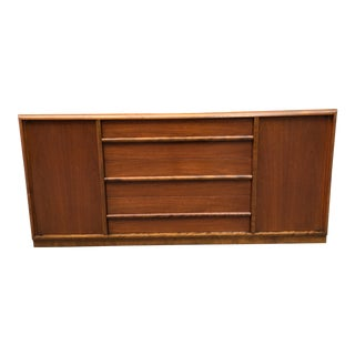 1950s Mid-Century Modern t.h. Robsjohn Gibbings for Widdicomb Walnut Credenza For Sale
