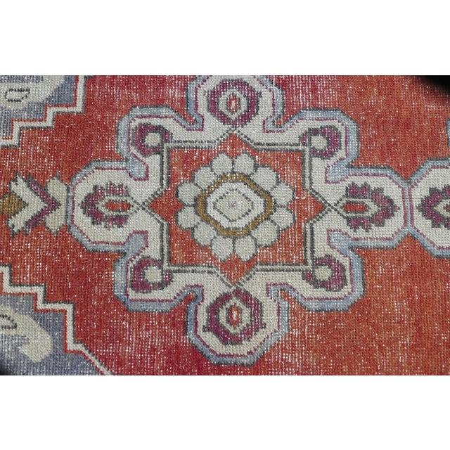 1970s Vintage Turkish Runner Rug Geometric Wool Rug - 2′9″ × 8′7″ For Sale In Seattle - Image 6 of 9