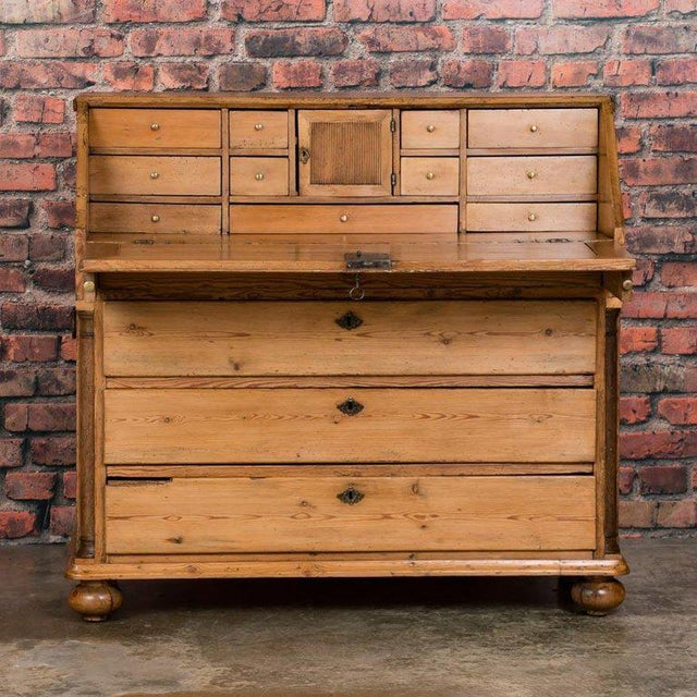 19th Century Country Pine Breakfront Bureau / Desk For Sale - Image 4 of 7