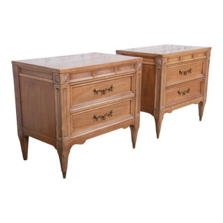 American of Martinsville Mid-Century Modern Cherry and Burl Wood Nightstands, Pair For Sale