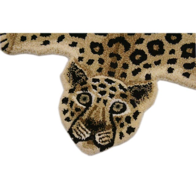 Contemporary Contemporary Decorate Wild Animal Design Handtuffed Area Rug- 2′ × 3′ For Sale - Image 3 of 8