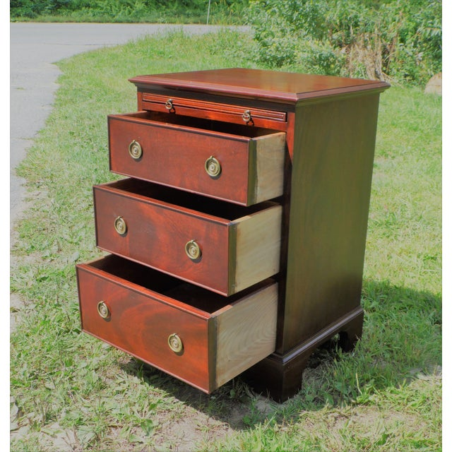 Antique Robert Treate Hogg Custom Solid Mahogany Chest of Drawers Petite Dresser - Image 6 of 11