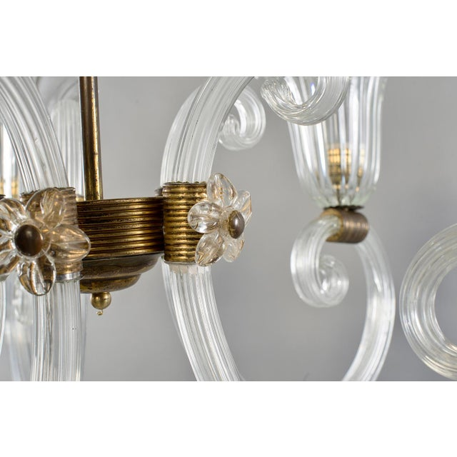 Murano Ercole Barovier Art Deco Clear Blown Glass Chandelier With Brass Fittings For Sale - Image 4 of 8