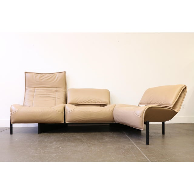 Italian Leather Veranda 3 Sofa by Vico Magistretti for Cassina For Sale - Image 3 of 13