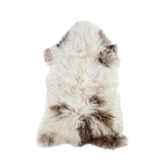 "2010's Modern Natural Sheepskin Pelt - 2'2"" x 3'3"""
