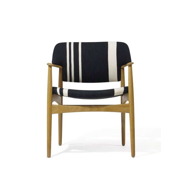 Danish Modern Pair of Aksel Bender Madsen for Fritz Hansen Oak Armchairs For Sale - Image 3 of 11