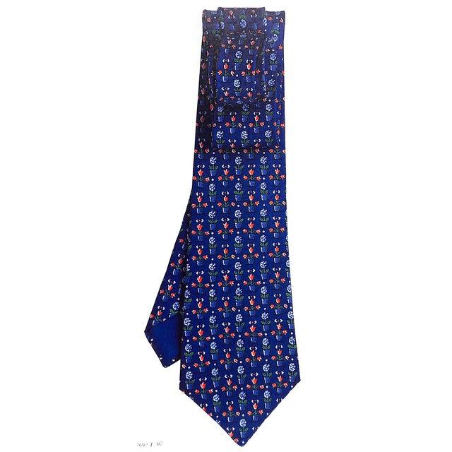 Traditional La Cravate Hermes Printemps/Ete: The Hermes Tie Spring/Summer 1998 For Sale - Image 3 of 4