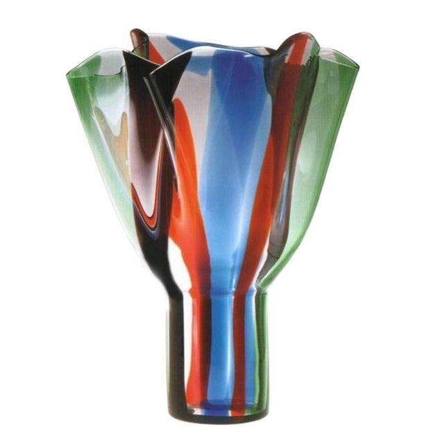 """Abstract Vintage 1991 Timo Sarpaneva Venini """"Kukinto"""" Murano Vase For Sale - Image 3 of 3"""