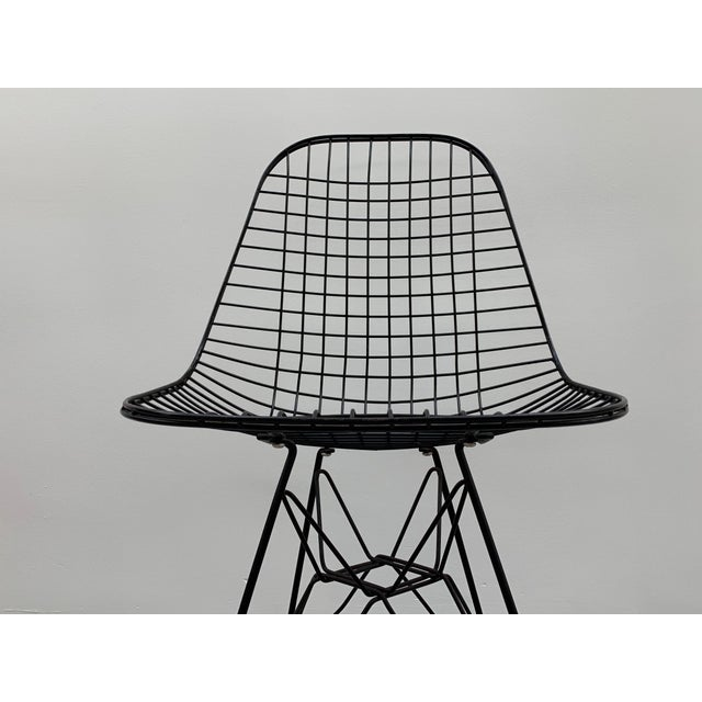 Mid-Century Modern Mid Century Modern Eames Herman Miller Wire Chair For Sale - Image 3 of 11