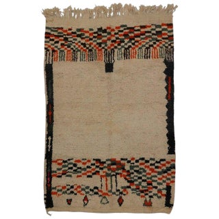 "20th Century Moroccan Berber Rug With Tribal Style - 5'1"" X 7'3"" For Sale"