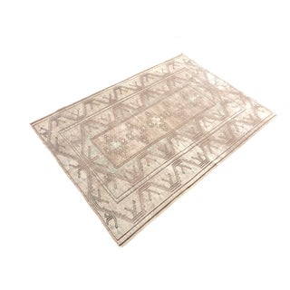 Traditional Vintage Floor Rug - 4′2″ × 6′ Preview