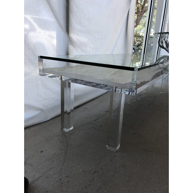 1970s Mid-Century Modern Lucite & Sliding Glass Cocktail Table For Sale In West Palm - Image 6 of 11
