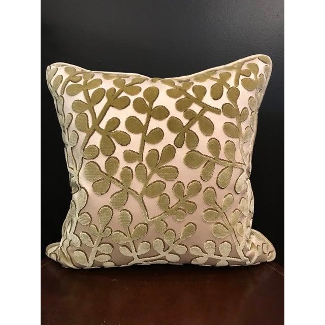 Feather Transitional Beacon Hill Summer Sonata Peridot Silk Velvet Epingle Pillow For Sale - Image 7 of 7