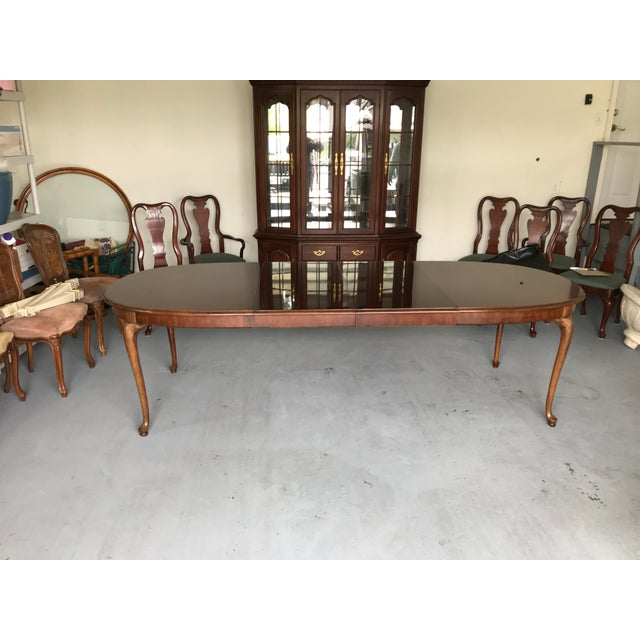 Hollywood Regency 1970s Thomasville Queen Anne Dining Table For Sale - Image 3 of 13