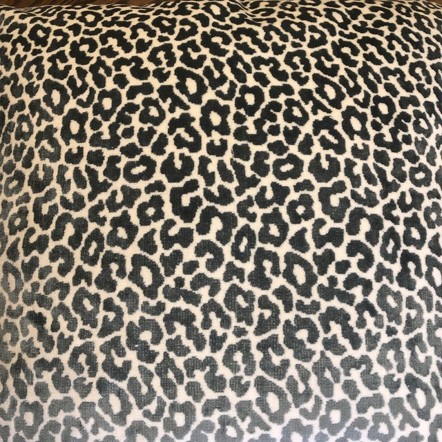 "2010s Schumacher ""Madeleine Velvet Cadet"" 22"" Pillows-A Pair For Sale - Image 5 of 7"