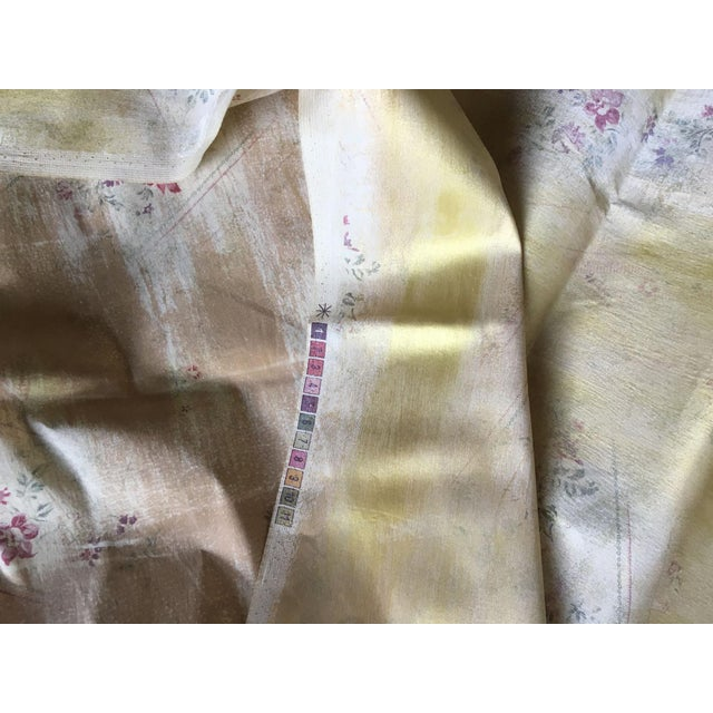 2010s Moving Sale - Make an Offer - Everything Must Go - Ralph Lauren Gold Lamé Floral Fabric For Sale - Image 5 of 5
