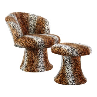 1970s Mid Century Modern Leopard Print Tulip Chair and Ottoman Set - 2 Pieces For Sale