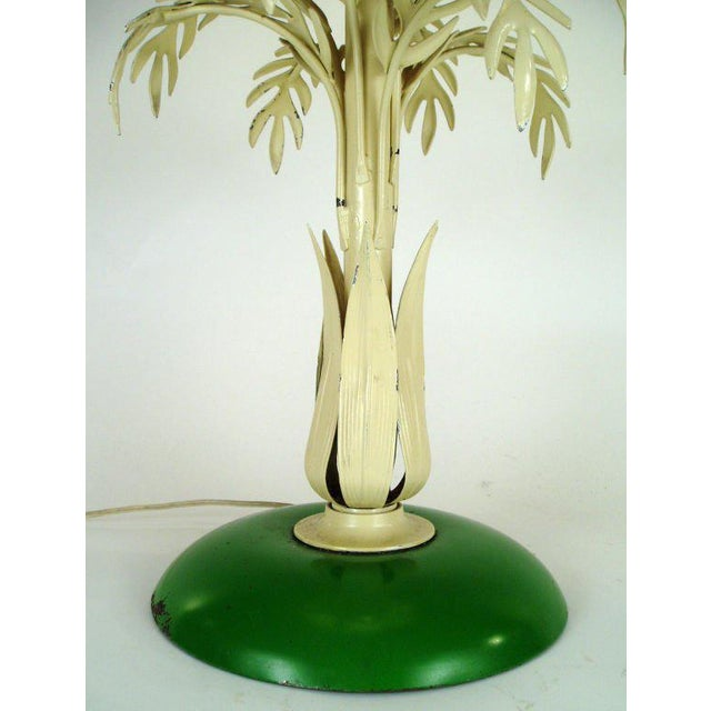 Hollywood Regency Mid-Century Palm Leaf Table Lamp For Sale - Image 3 of 7