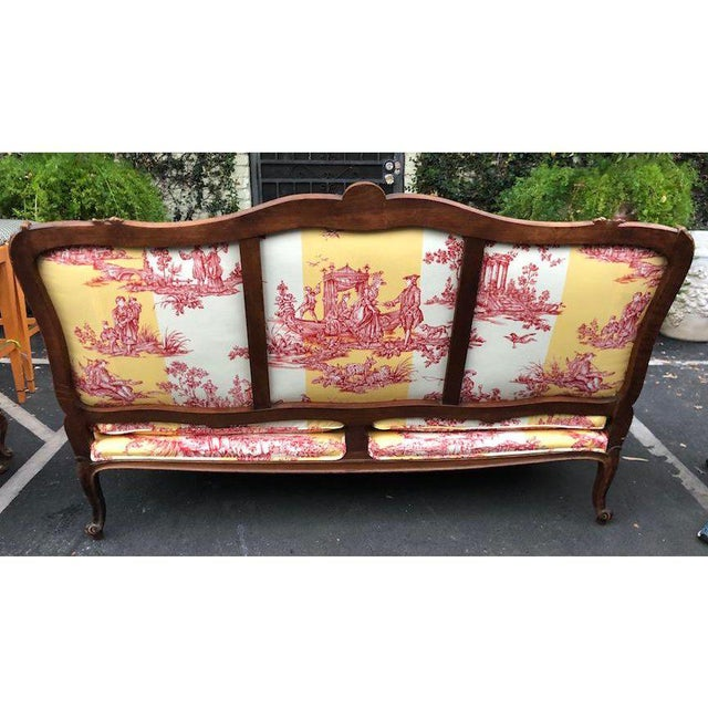 Antique Louis XV Style Carved Walnut Sofa Settee W/ Brunschwig & Fils Water Garden Toile