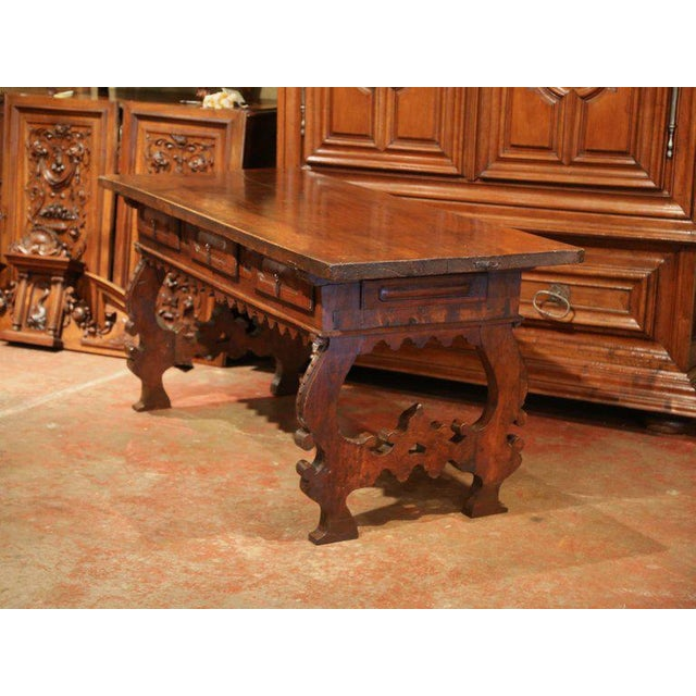 Important 18th Century Spanish Carved Walnut Console Table With Secret Drawers For Sale In Dallas - Image 6 of 12