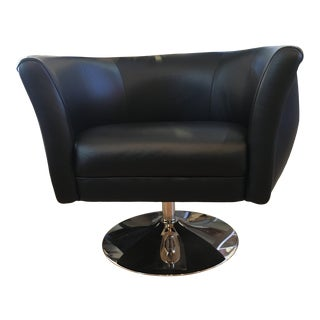 Modern Leather Chrome Base Swivel Chair by American Leather Manufacturing For Sale