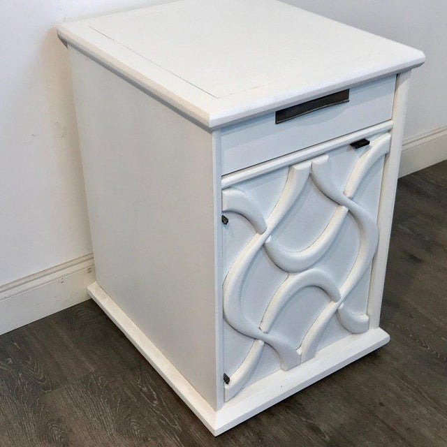 Pair of Moderage Sculptural Parzinger White Lacquered King Size Nightstands For Sale - Image 9 of 13