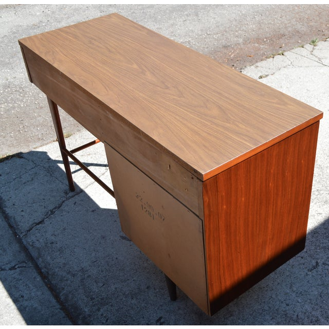 Ward Furniture Mfg. Ward Mid Century Modern Writing Desk by Ward Furniture For Sale - Image 4 of 5