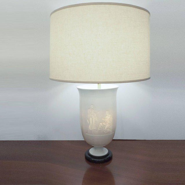 Tan French Art Deco White Glass Table Lamp and Uplight with Greco Roman Figures For Sale - Image 8 of 11