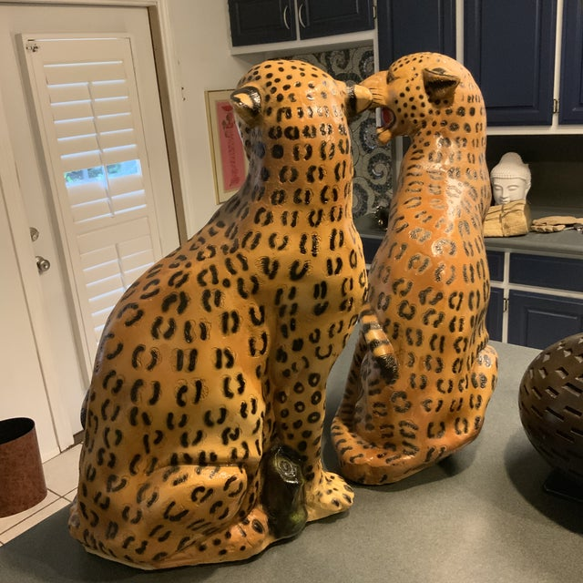 Hollywood Regency 1950s Vintage Life Size Chalkware Leopards - A Pair For Sale - Image 3 of 9