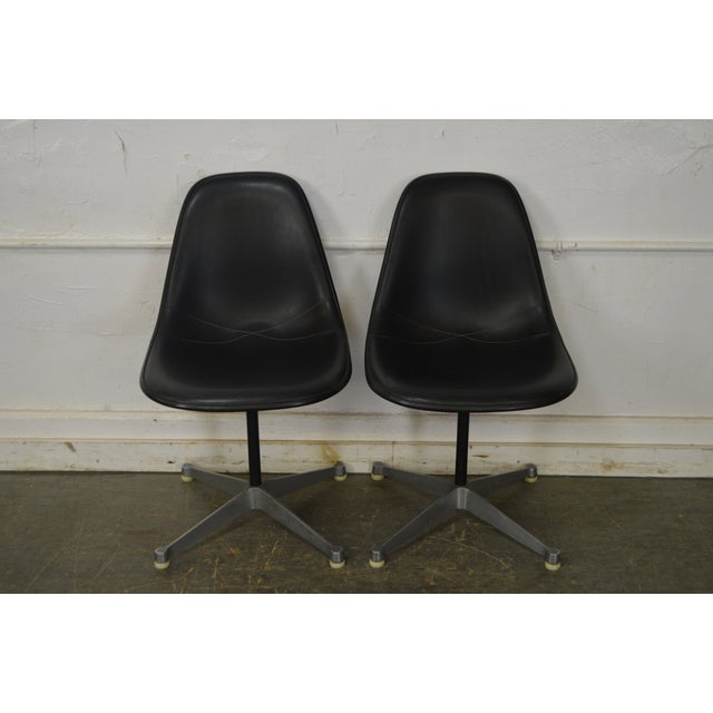 Herman Miller Set of 4 Mid Century Modern Eames PSC Chairs - Image 2 of 13