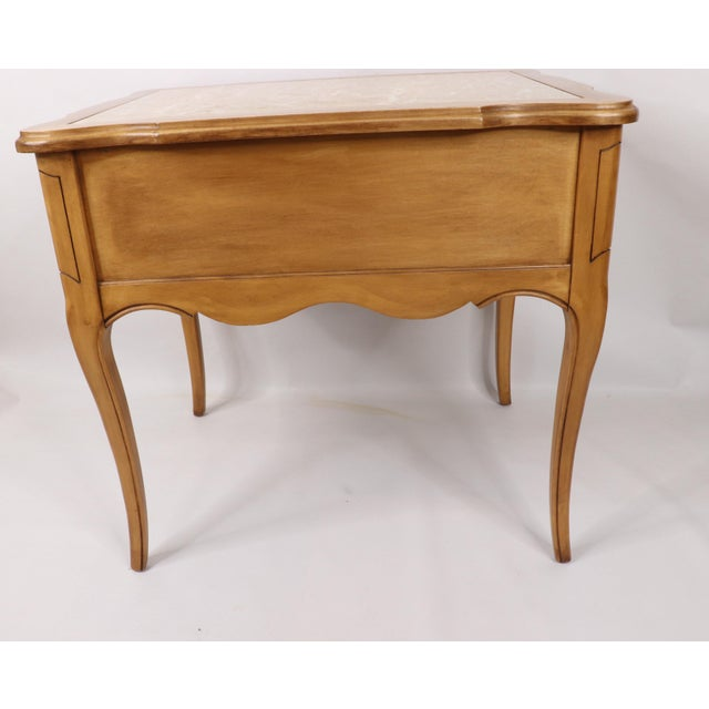 Brown Vintage 1960s Hammary French Provincial Marble Inlay Oak Wood End / Side Table For Sale - Image 8 of 13