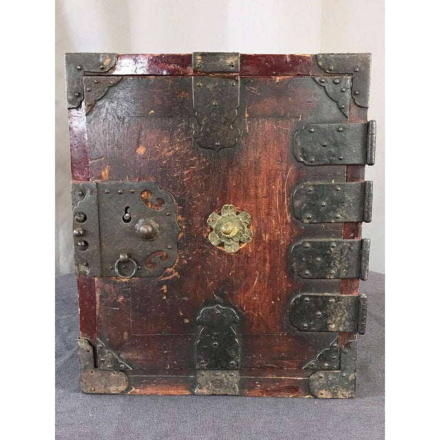 Asian Antique Antique Compact Chinese Seaman's Chest With Locks and Key For Sale - Image 3 of 13