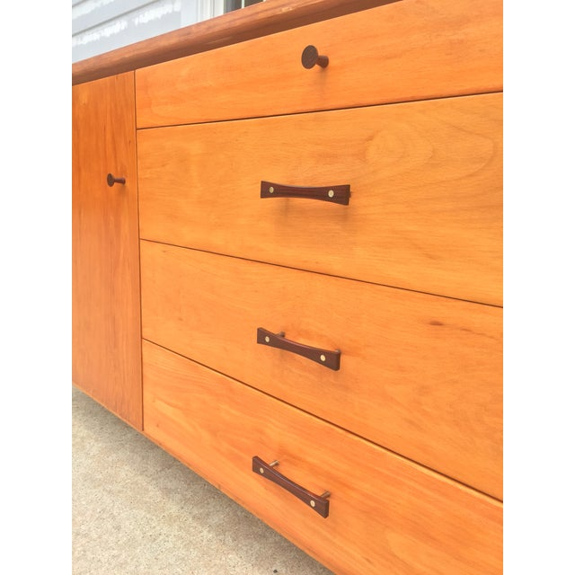 Mid 20th Century Mid-Century Modern Paul McCobb Winchendon Perimeter Group Bow Tie Pull Cabinet For Sale - Image 5 of 8