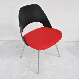 (4) Contemporary Knoll Eero Saarinen 72c-Piece Dining Side Chairs Preview