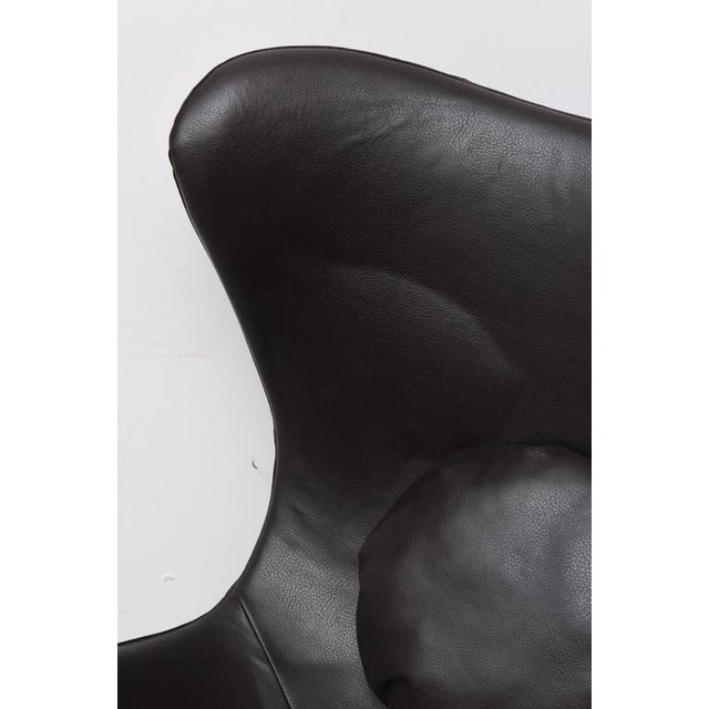 Black Leather Egg Chair in Arne Jacobsen Style, Denmark, 1960s For Sale - Image 8 of 9