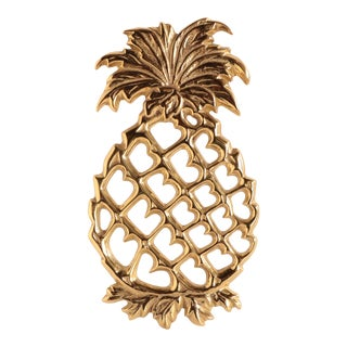 Virginia Metalcrafters Brass Pineapple Trivet For Sale