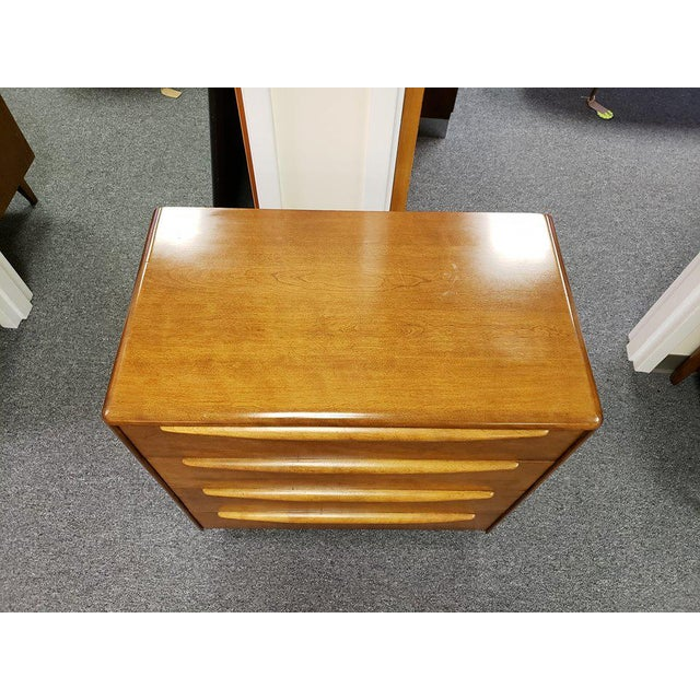 1960s Mid-Century Modern Heywood Wakefield Encore Small Birch Chest of Drawers For Sale In Richmond - Image 6 of 13