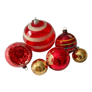 Red Vintage Ornament Collection, Set of 6 For Sale