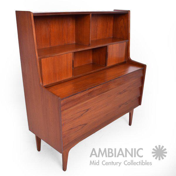 Danish Mid-Century Modern Teak Secretary Desk / Vanity Hjerm Mobelfabrik For Sale - Image 4 of 9