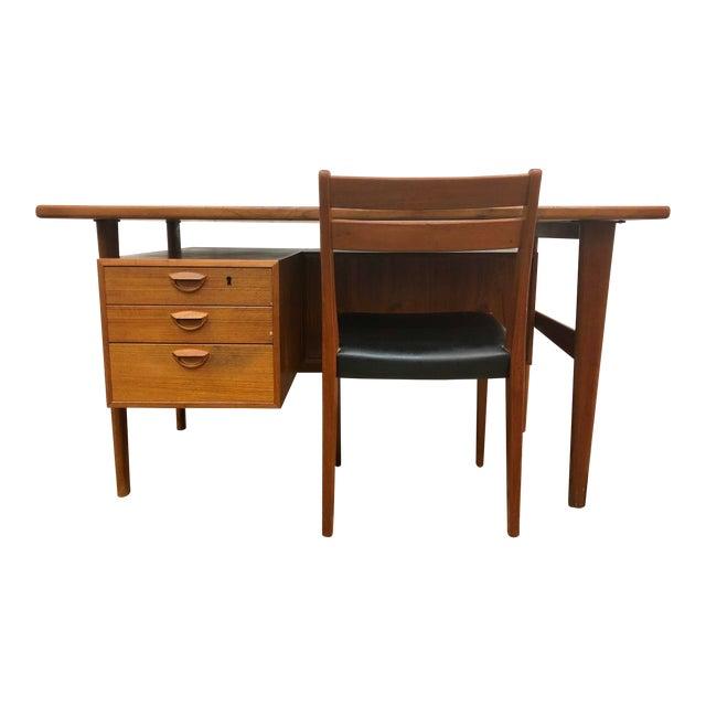 """Mid-Century Danish Modern Sibast """"Floating"""" Teak Desk & Chair For Sale"""