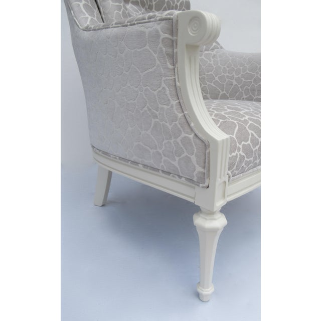 Final Markdown -Dorothy Draper Hollywood Regency Club Chair With Giraffe Chenille For Sale - Image 9 of 13