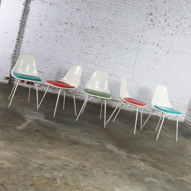 Mid-Century Modern Burke Fiberglass #103 Shell Chairs With Padded Seats Set of 5 Mid Century Modern For Sale - Image 3 of 13